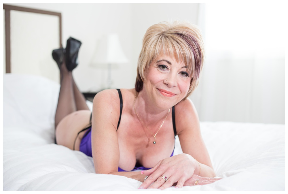 Mature boudoir photography in Nanaimo
